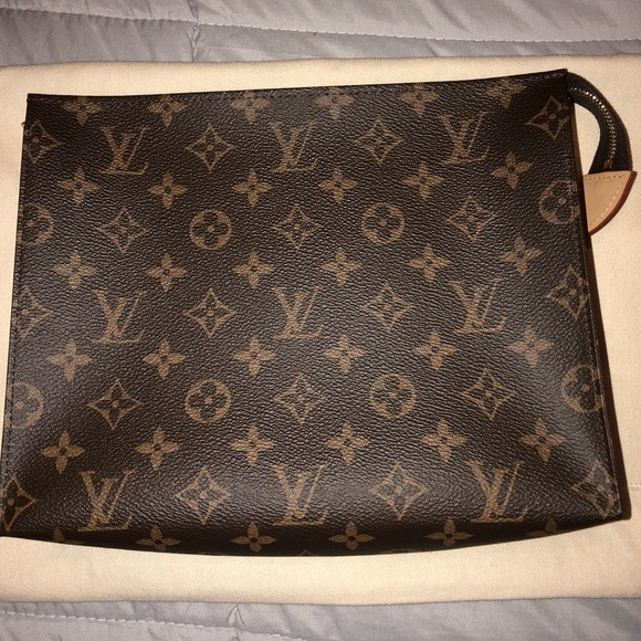 63dba4b9b975 Louis Vuitton Handbags - Toiletry 26